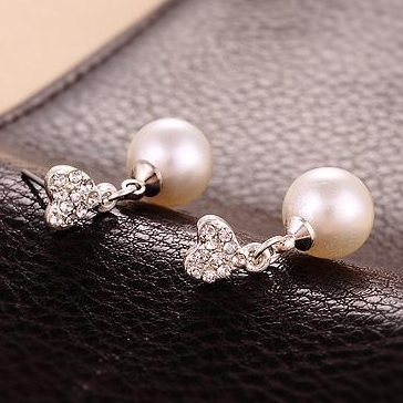 2016-New-Fashion-Paragraph-Hot-Selling-Earrings-Double-Side-Heart-Shining-Pearl-Earrings-Big-Pearl-Earrings (2)